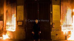 Павленский Париж поджог