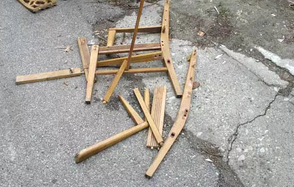 Пенсионерка стул